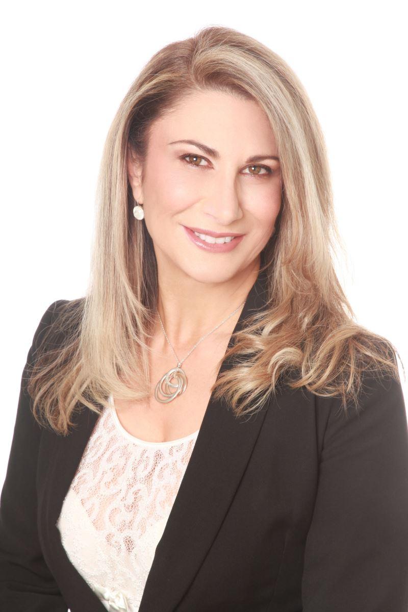 Angela Carbone, SWINBURNE UNIVERSITY OF TECHNOLOGY