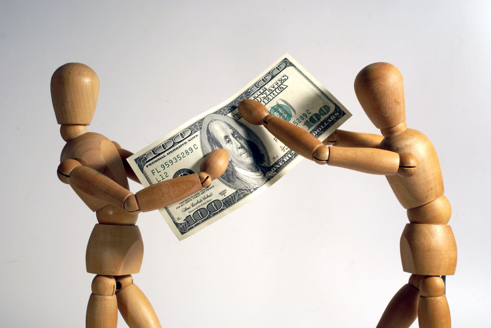 Should you ban new-hires from haggling over pay?