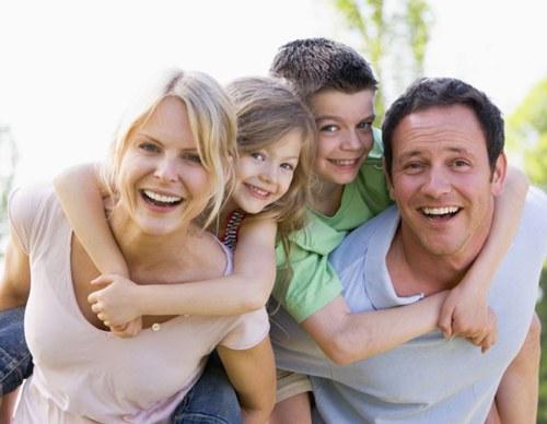 Satisfied family men make happier employees