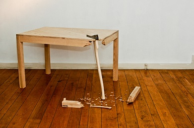 Boss who 'smashed desk with a mallet' escapes conviction