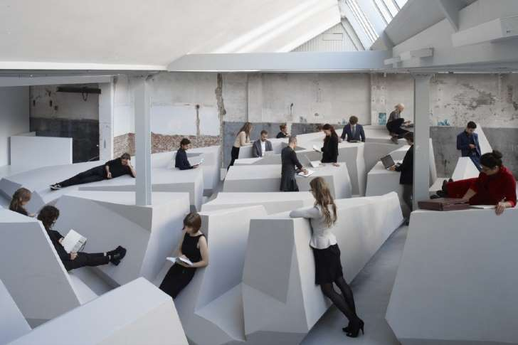 Standing offices: the next step towards workplace comfort?