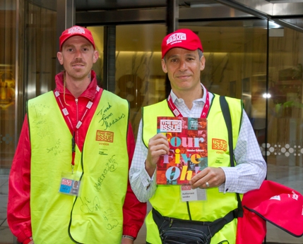 Grant Fuzi helps The Big Issue