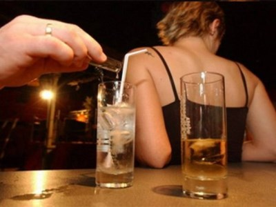 Elite school students 'plotted to spike drinks'