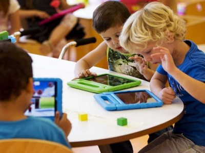 Expert questions value of mobile devices in classrooms