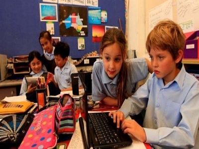 Moving NAPLAN online could 'widen achievement gap'
