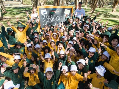 Schools hold outdoor classes in Australian first