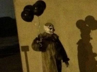 Schools on alert over 'creepy clowns'