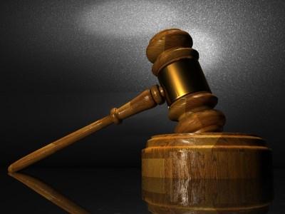 Teachers mull lawsuit against Education Department