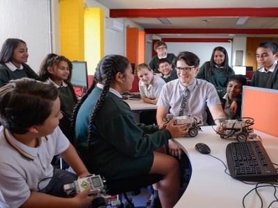 New program rewards inspiring teachers, principals