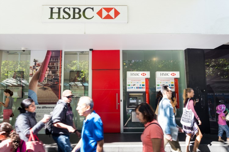 HSBC Australia has bucked the out of cycle hike and cuts its mortgage rates.