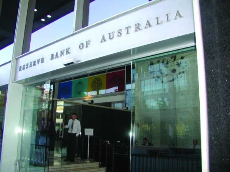 RBA keeps cash rate unchanged as the dollar drops