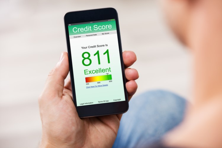 In the efforts to give home-loan borrowers instant access to their credit scores, online comparison site Credit Card Compare has unveiled Australia's first credit score-monitoring app.