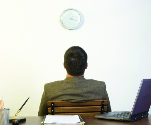 Australians work just 32 hours a week