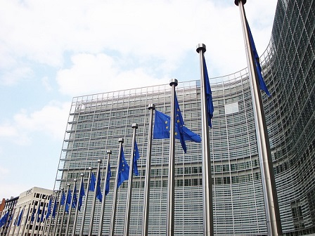 Weekly Wrap: Major firm mulls EU hub beyond London if Brexit prevails