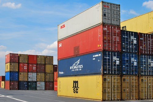 New container rules to boost short-term rates on cargo, insurers say