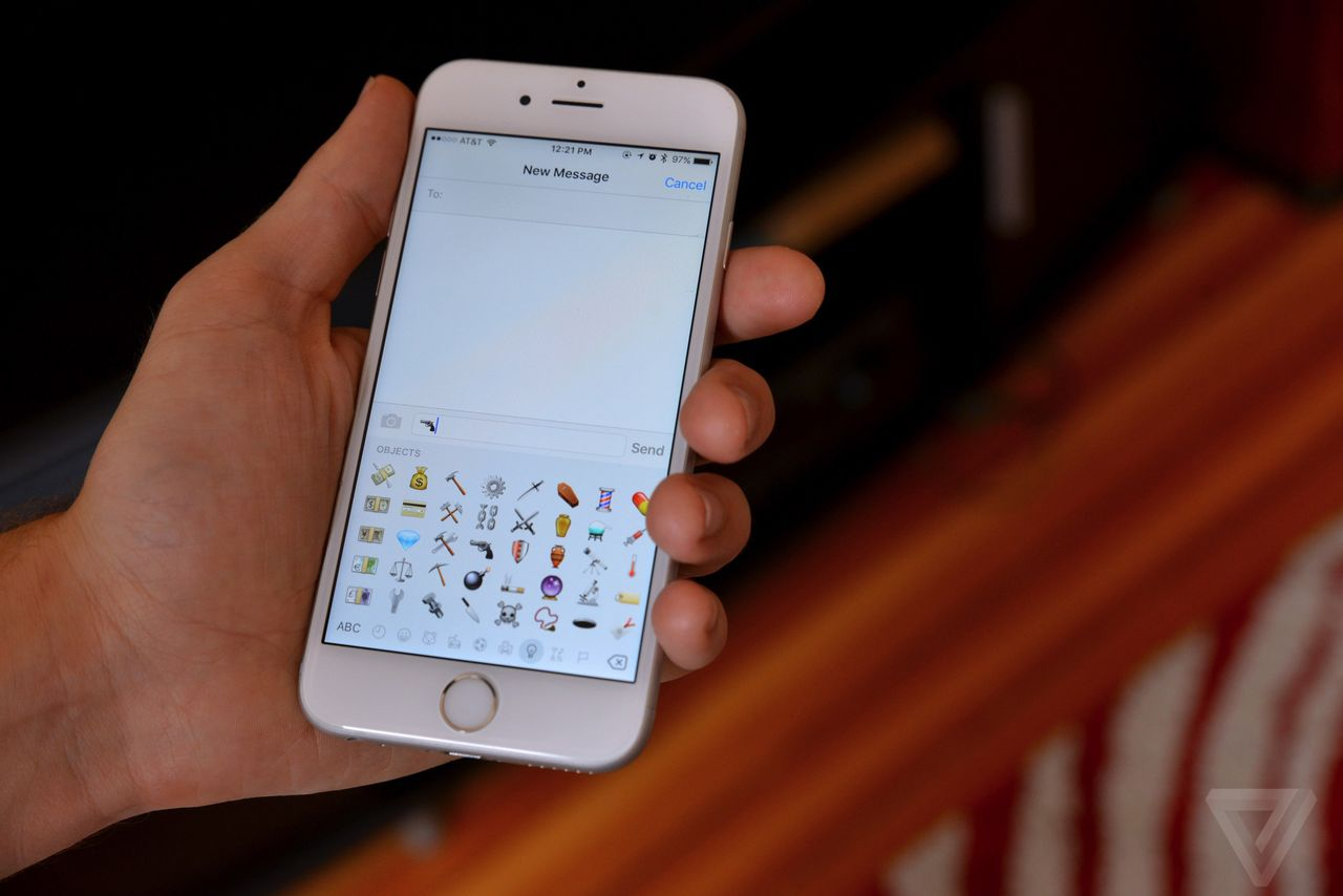 Lighter Side: High court judge uses emojis in decision, could get award for it