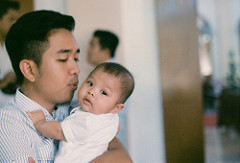 Double paternity leave for Singtel fathers