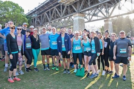 Lawyers run to raise funds for cancer research