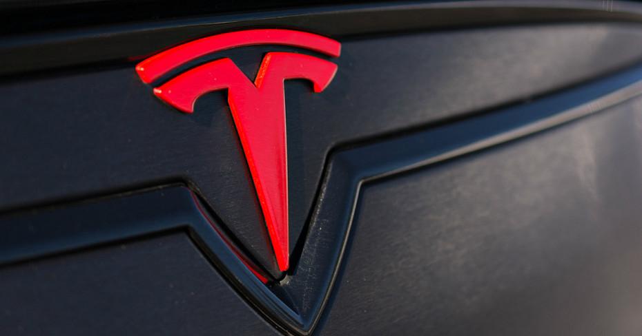 Global firm advises on massive Tesla battery installation