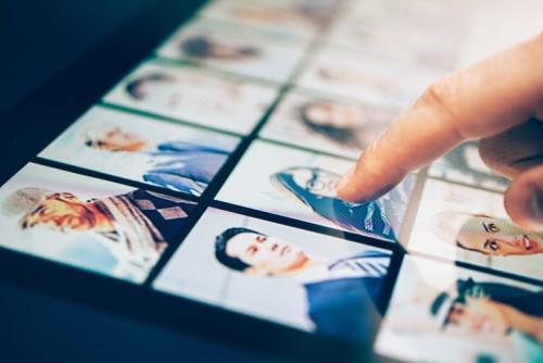 How can HR navigate an increasingly digital world?