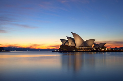 Sydney's most iconic structure bucks trend