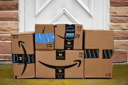 Is Amazon relying more on robots than temp staff this season?