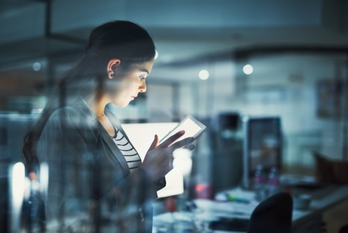 Are female CEOs more likely to be fired than men?