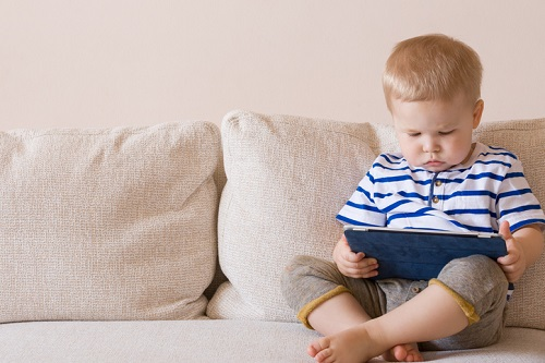 Toddlers now accessing Internet – study