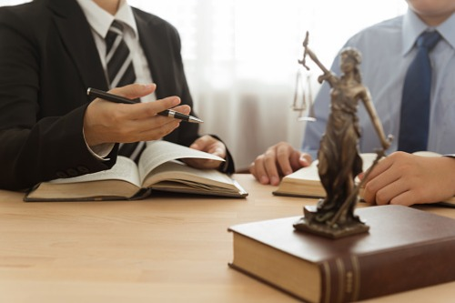 In-house legal teams 'squeezed,' survey finds