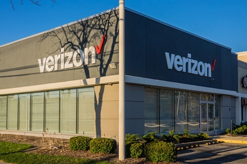 Verizon plans to trim 44,000 employees