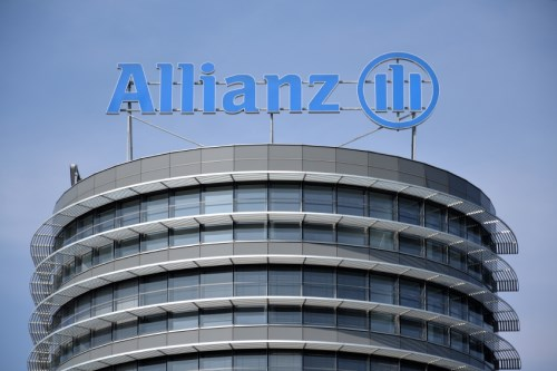 Allianz CEO: No mass job cuts