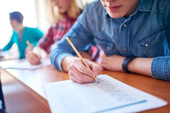 Should schools abolish standardised testing?