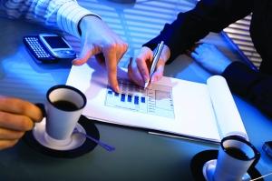 Law firm survey confirms desire for alternative fee arrangements