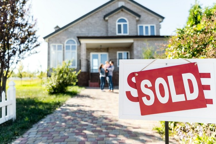 Essential steps to take before buying a home for the first time