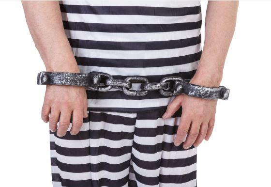 Lighter side: Jury-duty-dodger escapes wearing prisoner costume
