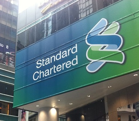 Standard Chartered to cut 1,000 senior staff