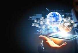 How did technology impact HR in 2015?