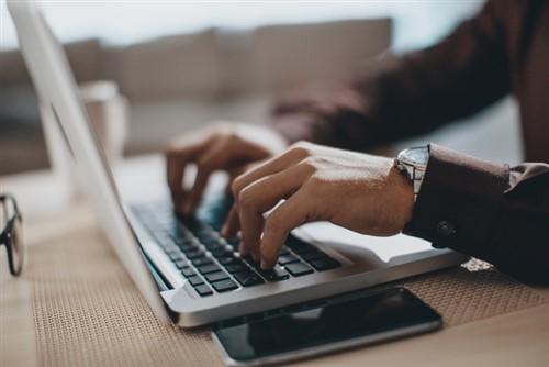 Is Australia lagging behind in the digital era?