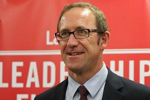 Union praises Labour's employment incentive
